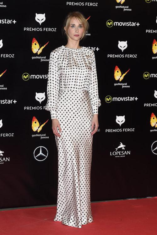 Ingrid García Jonsson con un vestido de Max Mara con estrellas estampadas en los Premios Feroz 2016