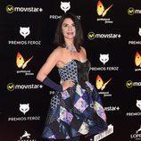 Ana Fernández con un estilismo muy particular en los Premios Feroz 2016