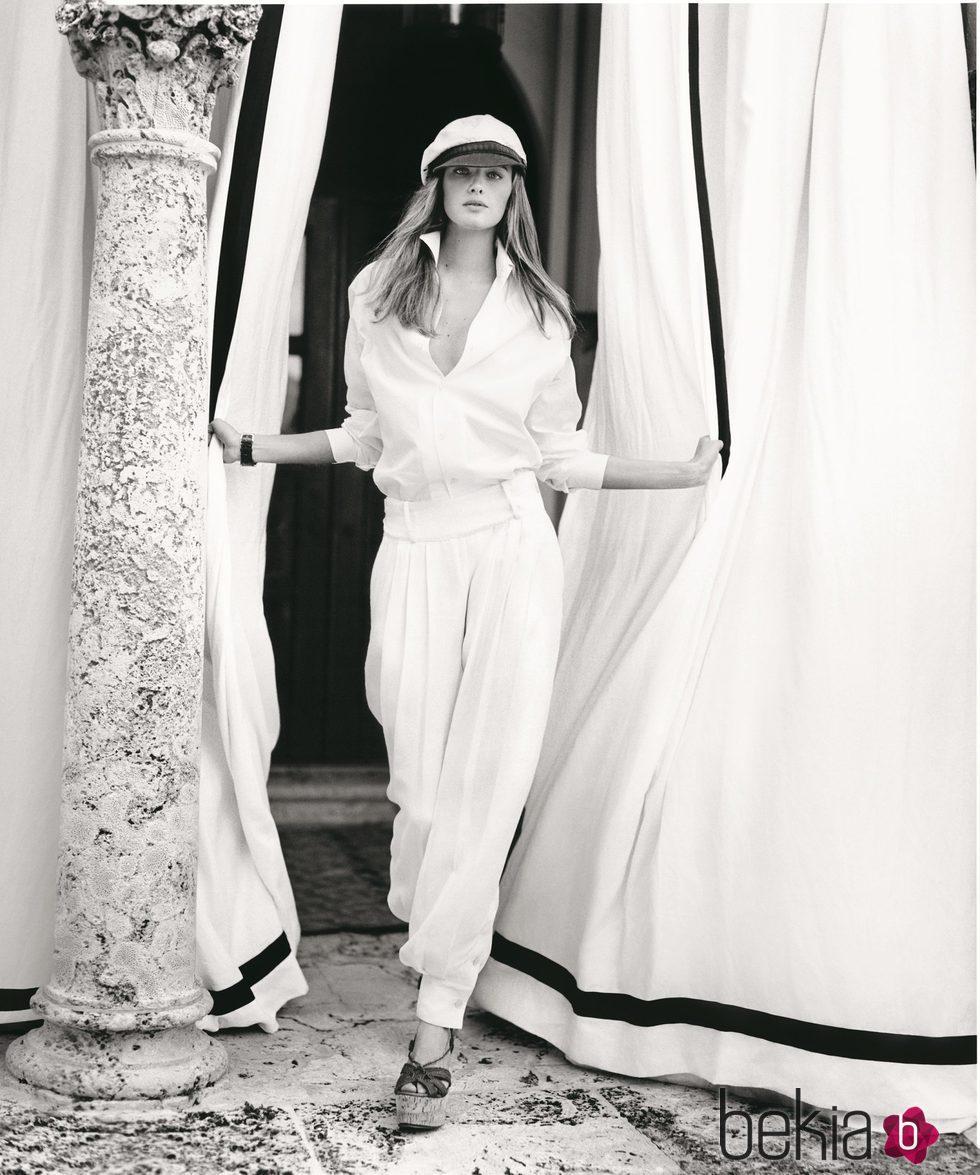 Blusa amplia y pantalones ajustados al tobillo de Ralph Lauren Collection 2016