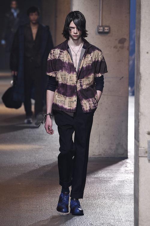 Camisa estilo surfer degradada de Lanvin en la semana de la moda de París para la temporada Otoño/Invierno 2016/2017
