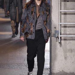 Desfile de Lanvin en la semana de la moda de París presentando la temporada otoño/invierno 2016/2017