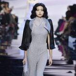 Mono largo brilli brilli gris de Armani en la Semana de la Moda de Alta Costura de París primavera/verano 2016