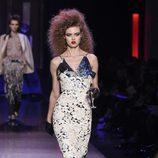 Vestido midi con forro de punto con motivos florales de Jean Paul Gaultier en la Semana de la Alta Costura de París presentando la temporada primavera/vera