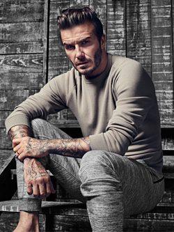 David Beckham con jersey ocre de la colección 'David Beckham Bodywear'