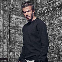 David Beckham con jersey negro y pantalón de deporte de la colección 'David Beckham Bodywear'