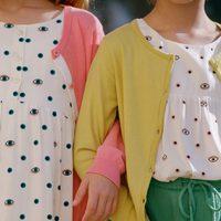 Conjuntos rosa, verde lima y amarillo con camisetas estampadas de ojos de Nice Things Mini
