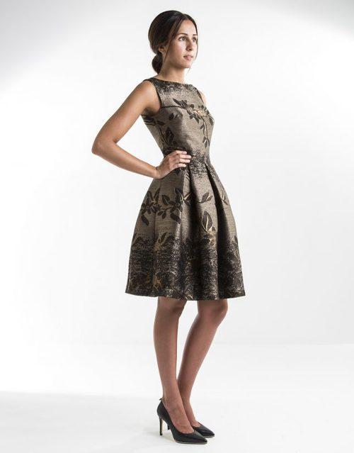 Vestido en clave lady con estampado floral y efecto oro desgastado de Roberto Verino