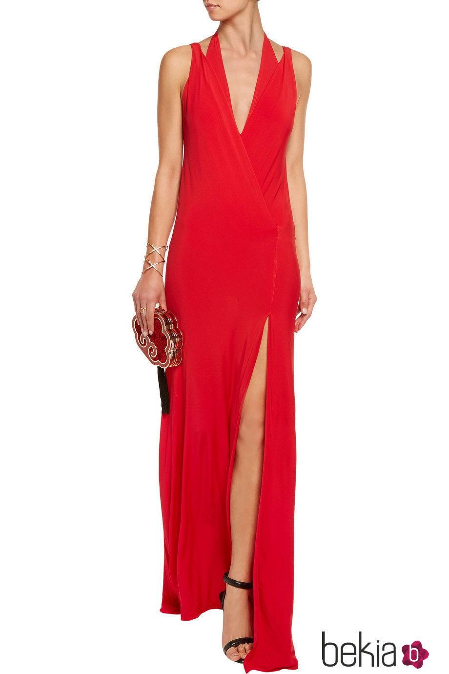 Vestido rojo con escote en uve y abertura en la falda de Donna Karan