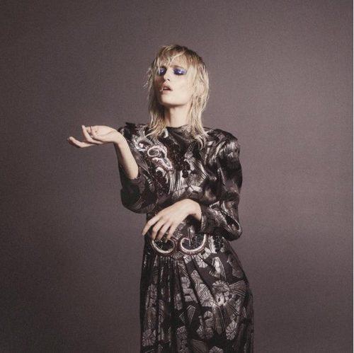 Vestido de estampado floral y falda plisada de Marc Jacobs