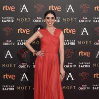 Candela Serrat con vestido de Vionnet en la alfombra roja de los Premios Goya 2016