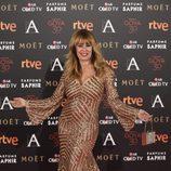 Miriam Díaz Aroca con efecto brilli brilli en la alfombra roja de los Premios Goya 2016