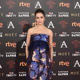 Verónica Sánchez con vestido estampado en la alfombra roja de los Premios Goya 2016