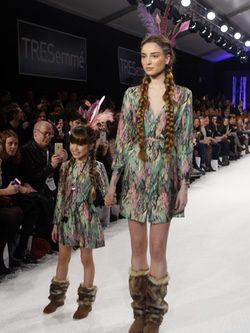 Conjuntos estampados y botas de pelo en el desfile de David Christian en la Madrid Fashion Show 2016