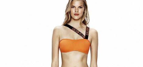 Bikini asimétrico naranja de Calvin Klein para la temporada verano 2016
