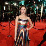 Bel Powley con un vestido de Gucci en la alfombra roja de los BAFTA 2016
