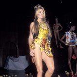 Cindy Crawford durante la gala de 'Rock 'N Rule' de Versace en 1992