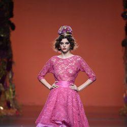 Vestido inspiración flamenca de Francis Montesinos en la FW de Madrid para otoño/invierno 2016/2017