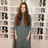 Birdy en la alfombra roja de los Premios Brit 2016