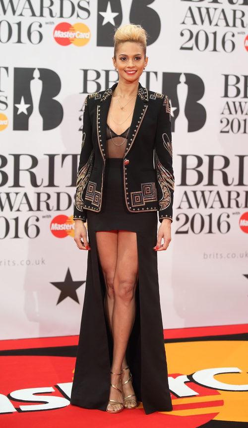 Alesha Dixon en la alfombra roja de los Premios Brit 2016