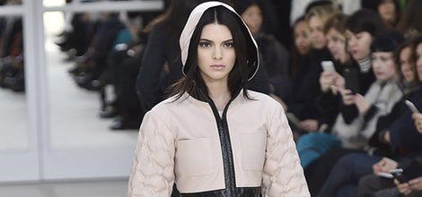 Kendall Jenner en el desfile de la colección otoño/invierno de Chanel en la Paris Fashion Week 2016