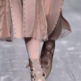 Calzado en detalle de la coleccion otoño/iniverno 2016/17 de Valentino en Paris Fashion Week