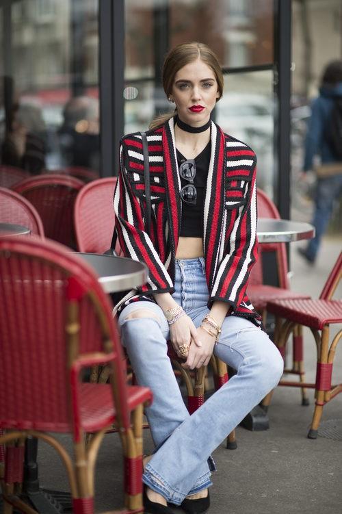 Chiara Ferragni con Levis desgastado en Paris durante la semana de la Moda de 2016
