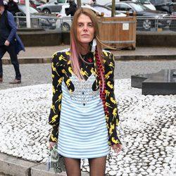 Anna Dello Russo llegando al desfile de Miu Miu durante la Paris Fashion Week 2016