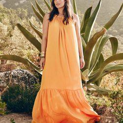 Candice Huffine en la campaña de primavera 2016 Violeta by Mango