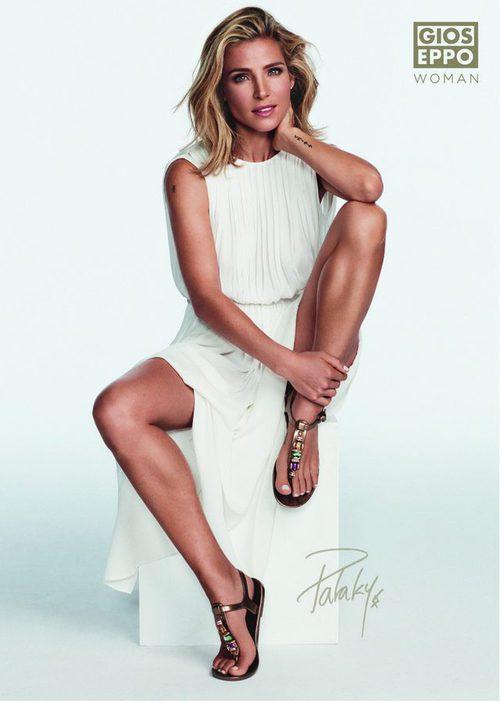 Elsa Pataky con unas sandalias de brillantes de la colección primavera/verano 2016 de Gioseppo