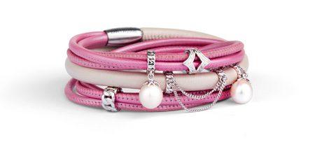 Brazalete fucsia de la colección primavera/verano 2016 de Jennifer Lopez para Endless Jewelry