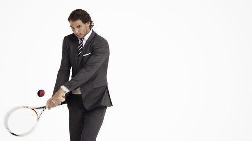 Rafa Nadal con traje de Tommy Hilfiger en su nueva campaña