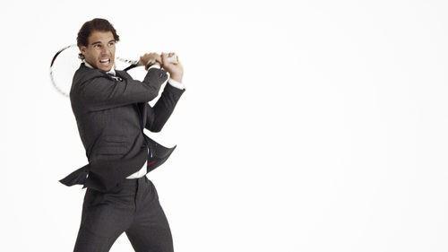Rafa Nadal con traje de la nueva campaña de Tommy Hilfiger