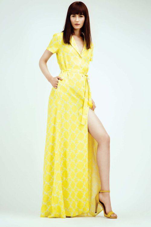 Vestido largo amarillo con estampado con rombos colección Primavera/ Verano 2016 de Dolores Promesas