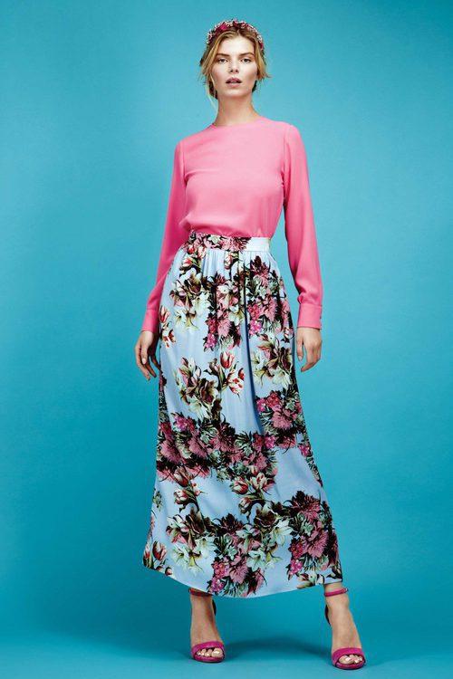 Conjunto camisa fucsia y falda tobillera recta print floral colección Primavera/ Verano 2016 de Dolores Promesas