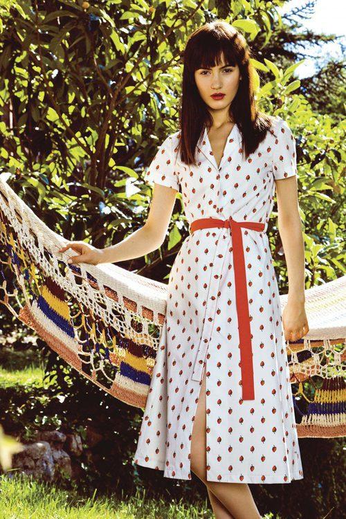 Vestido blanco estampado strawberry abotonado colección Primavera/ Verano 2016 de Dolores Promesas