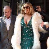 Mariah Carey paseando por las calles de Londres con su outfit