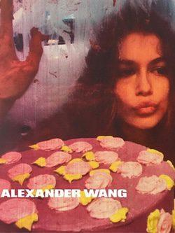 Kaia Gerber aparece en la nueva campaña de Alexander Wang primavera/verano 2016