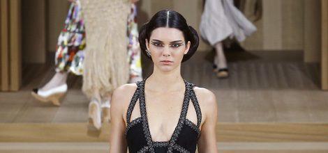 Kendall jenner desfile de Chanel en la semana de la moda de alta costura en París 2016