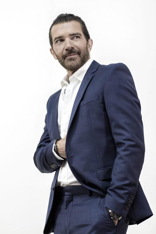 Look chaqueta y pantalón de Antonio Banderas design by Selected Homme