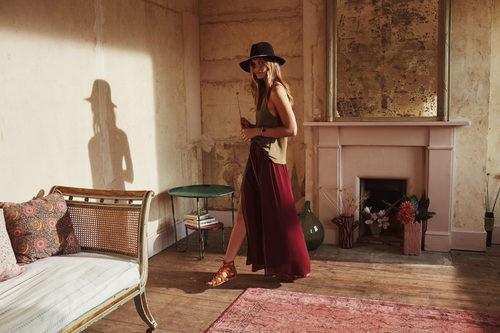 Sandalia romana marrón atada de la campaña Road to Morocco Primavera/Verano 2016 de Primark