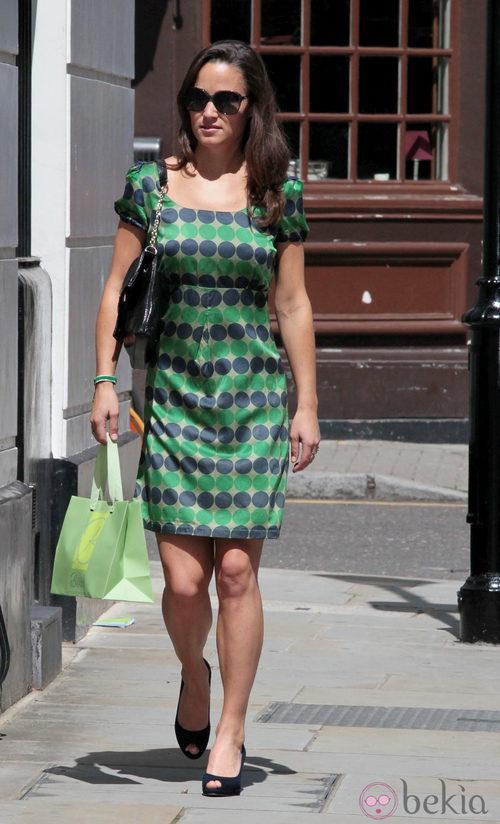 SÍ. Pippa Middleton, de paseo por Londres