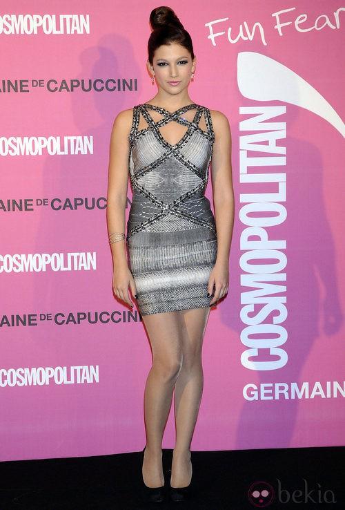 Úrsula Corberó con un vestido Hervé Léger para la colección otoño-invierno 2012
