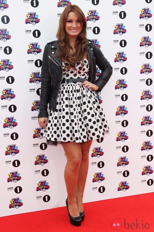 Estilismo de Sam Falers en los Teen Awards 2011