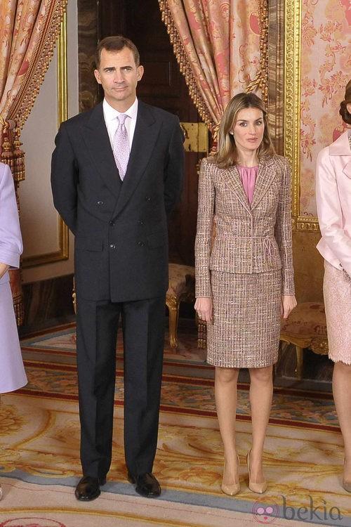 Looks Día de la Hispanidad: Los Príncipes de Asturias en el Palacio Real