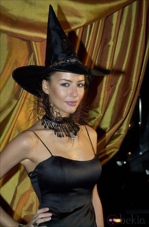 Vania Millán, de bruja