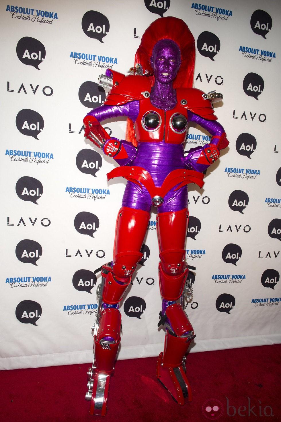 Heidi Klum disfrazada de superheroína e su fiesta de Halloween de 2010