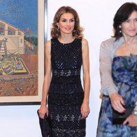 La Princesa Letizia con un vestido de Felipe Varela en la exposición de Joan Miró