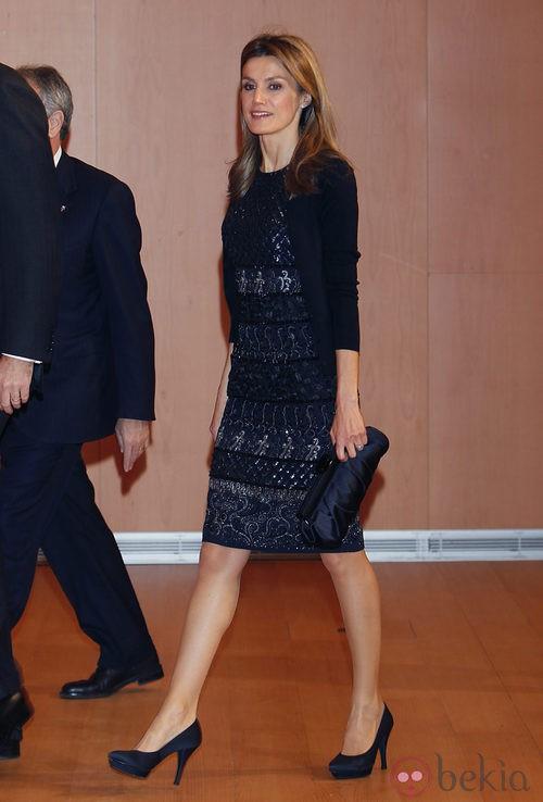 Letizia Ortiz con un Felipe Varela en los Premios Nacional de Joven Empresario 2010