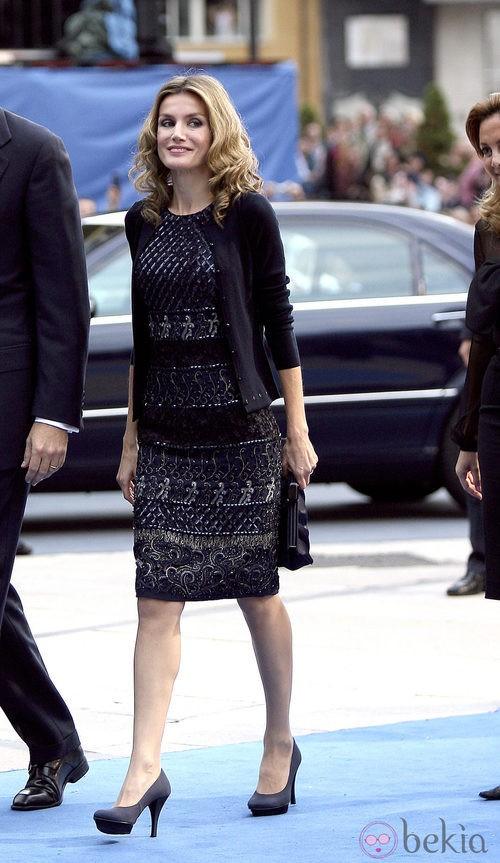 Letizia Ortiz con un vestido de Felipe Varela en los Premios Príncipe de Asturias 2010