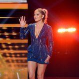 Jennifer Lopez con mono de Elie Saab en American Idol